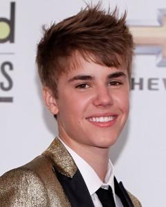 Justin-Bieber-usmiech