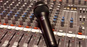 mikrofon-deska